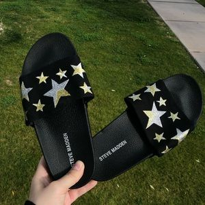 Steve Madden Star Embroidered slip on sandals 7
